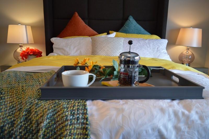 breakfast-in-bed-1158270-960-720-1323