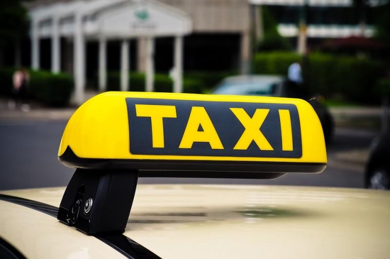 taxi-3504010-960-720-872