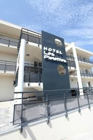 facade-hotel-153504