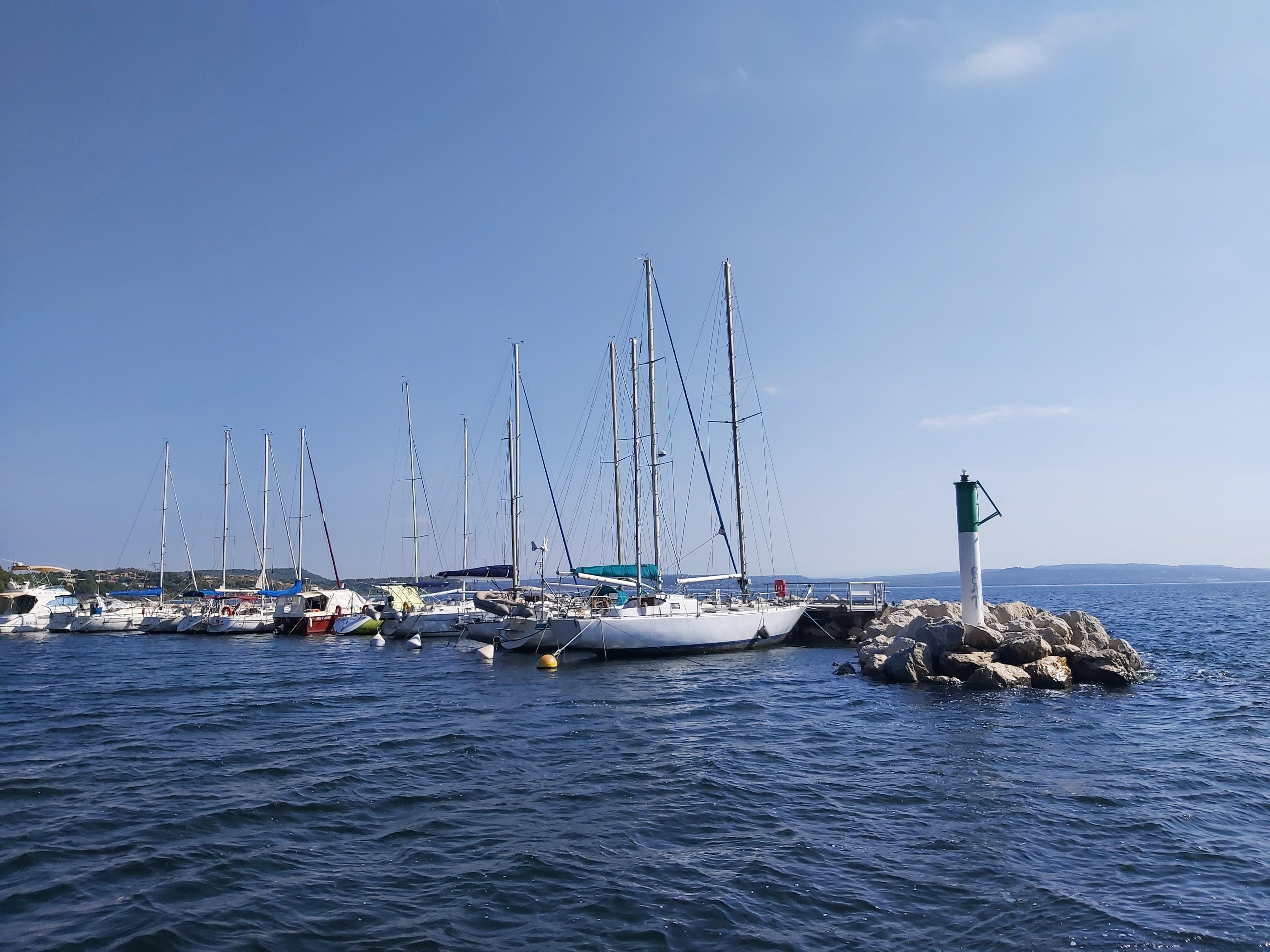 Bateaux sur la mer de l'étang de Berre ©otmartigues-victoriag - © ©otmartigues-victoriag