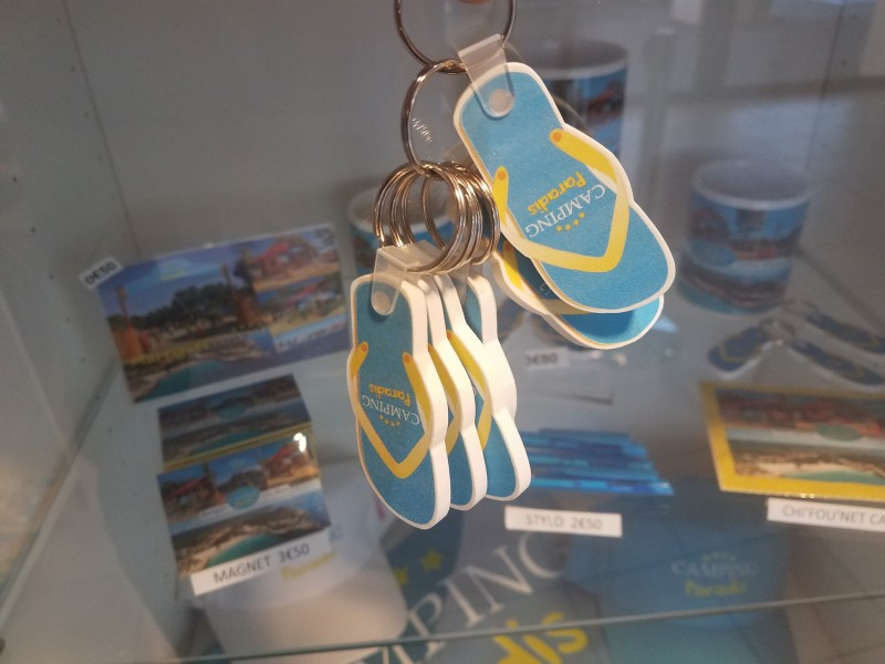 Camping Paradis Flip Flop Keychain