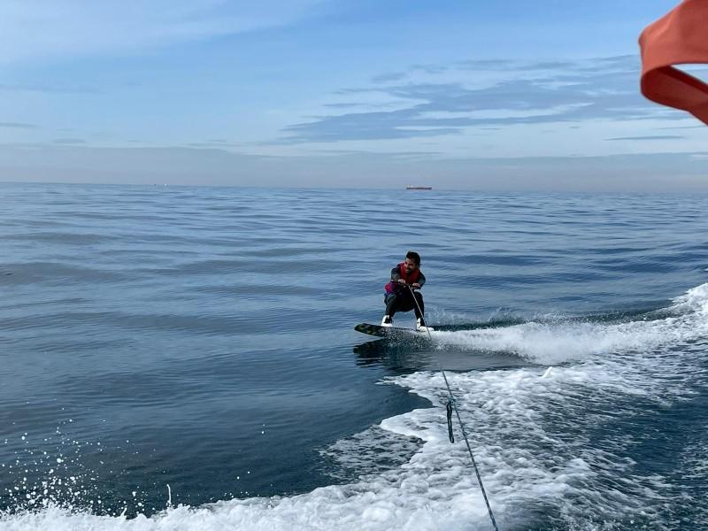 Wakeboard en mer méditerranée
