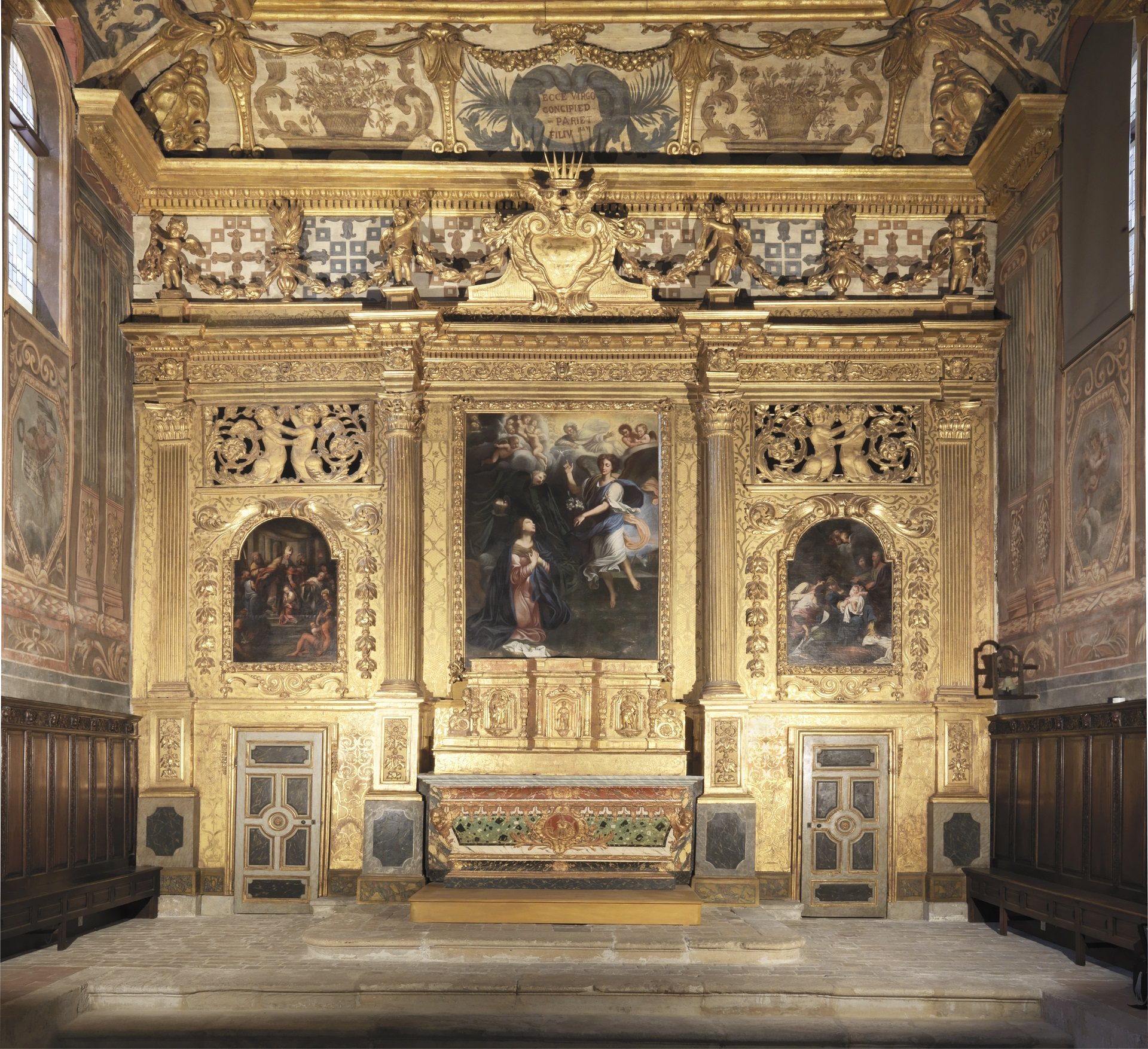 Interior view of the chapel of the Annonciade Martigues